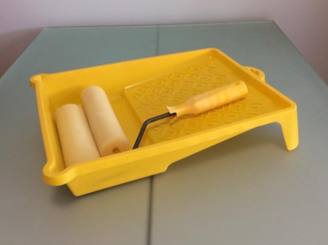 Продам Малярный набор: валик, ванночка, сменный