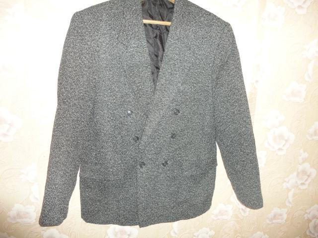 Продам Пиджак мужской размер 48-50