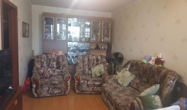 Продам Диван, два кресла, стенка