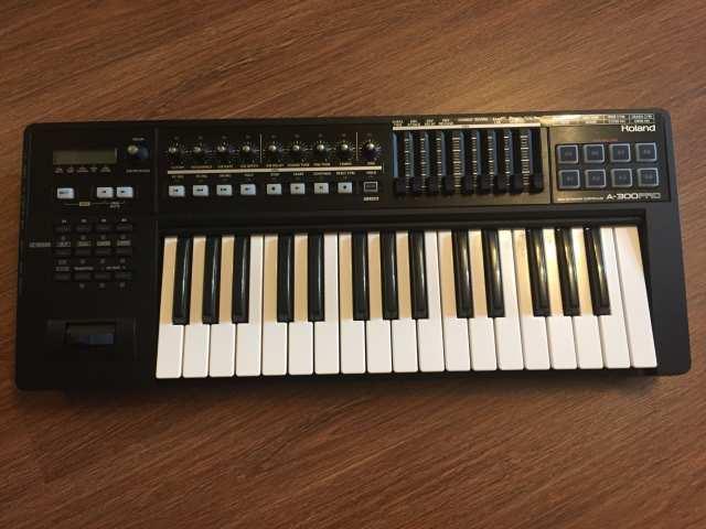 Продам Мидиклавиатура Roland a300 pro