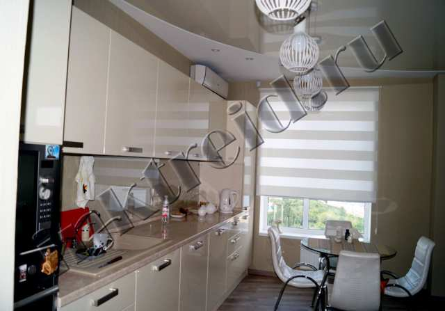 Продам Рулонные шторы на кухню