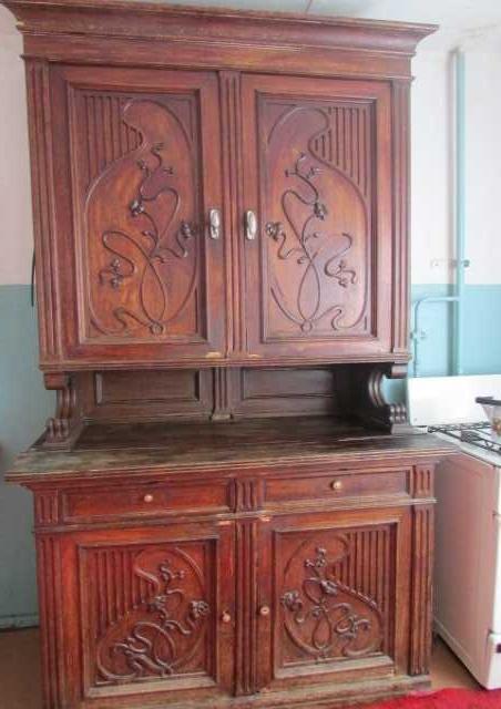 Продам: Старинный шкаф буфет.