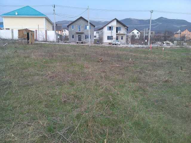 Продам:   земельный участок  8 соток