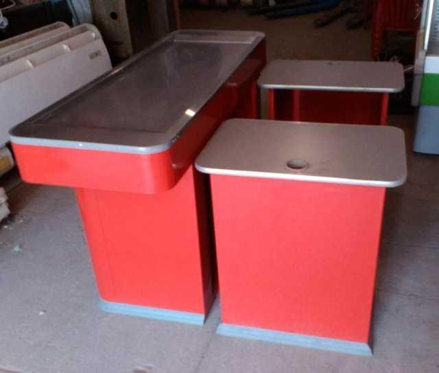 Продам Кассовый бокс (два столика)