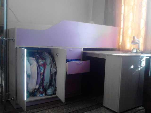 Продам: кровать-чердак со столом