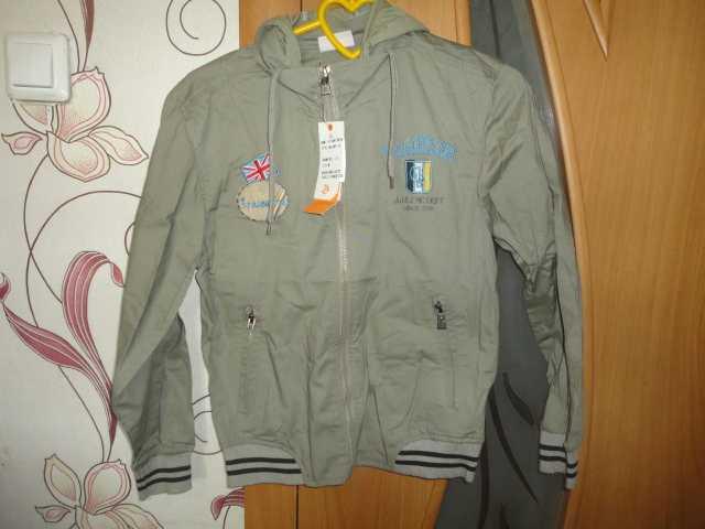 Продам Курточка подростковая новая размер 46-48
