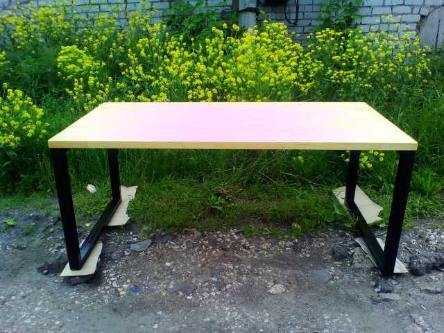 Продам Стол в стиле ЛОФТ из дерева и стали