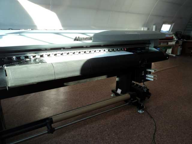 Продам плоттер Mimaki UJV-160