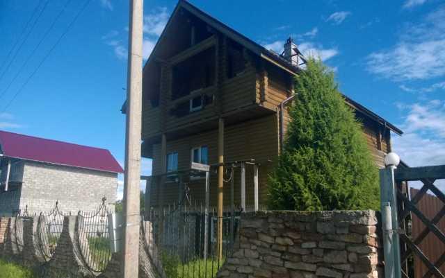 Продам: Новый дом-коттедж у красивого озера
