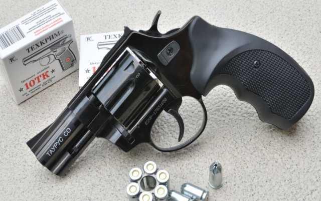Продам Револьвер таурус под 10 ТК