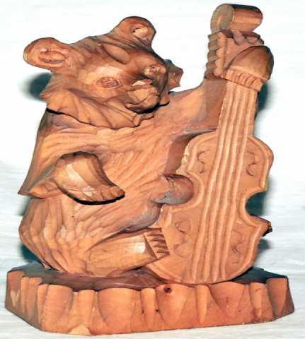 Продам Медведь музыкант. Дерево Богородская игр