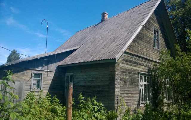 Продам: Дом на окраине села, рядом 7 Га. земли