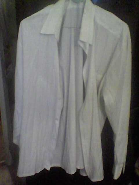 Продам Рубашка белая с длинным рукавом р.43