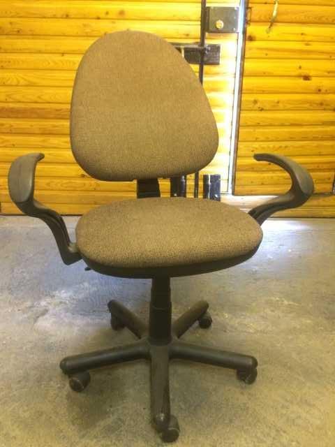 Продам: Компьютерный стул