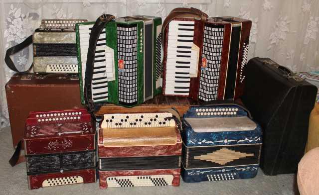 Продам Гармони, аккордеоны, баяны