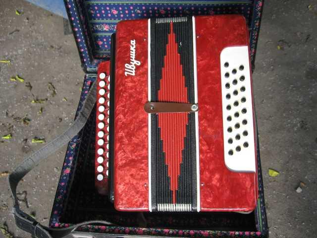 Продам гармонь кировская трёхголосна звонкая