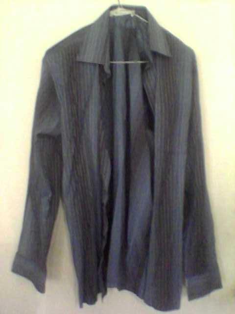 Продам Рубашка тёмно-синяя с длинным рукавом