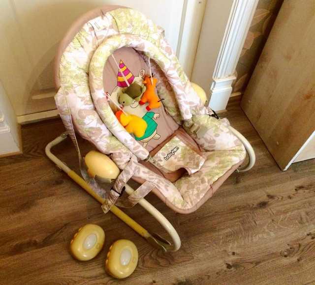 Продам Детский развивающий шезлонг babyton