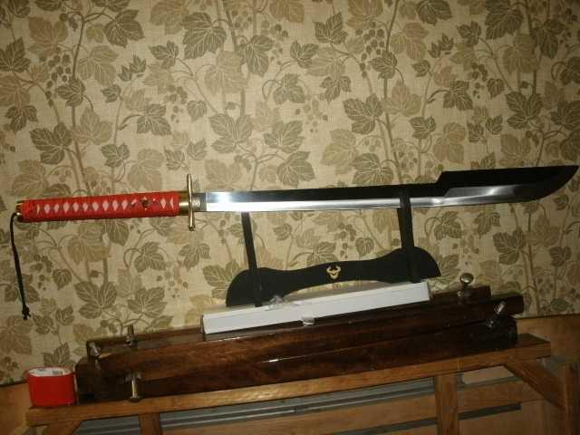 Продам Китайский меч на подставке сувенирный