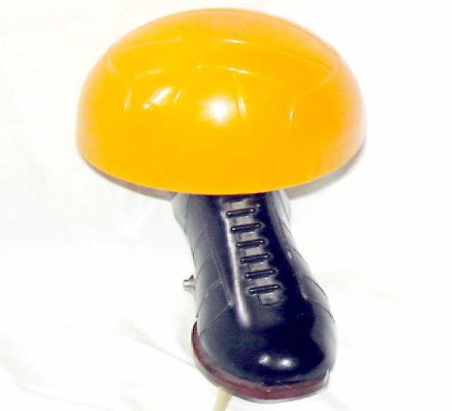 Продам: Лампа-прищепка футбольная бутса с мячом.