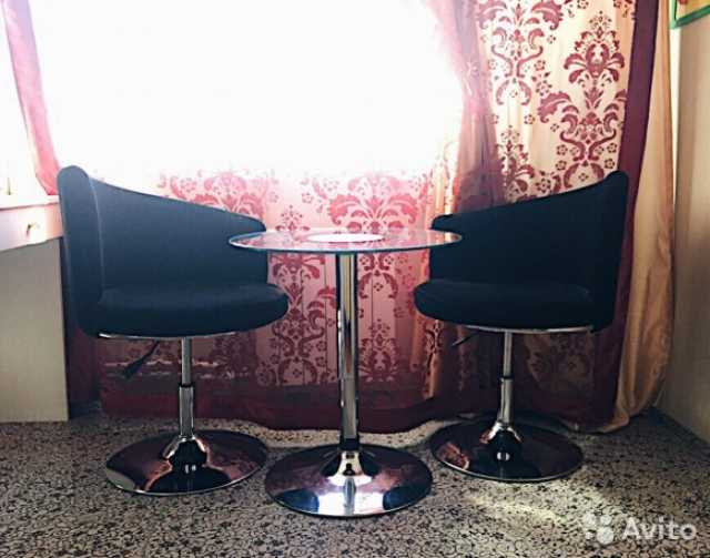 Продам Стол круглый+2 кресла