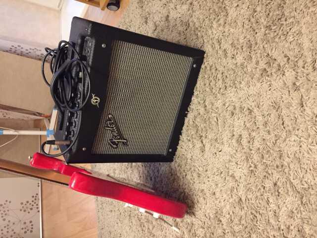 Продам Комбик fender mustang I + гитара cruzer