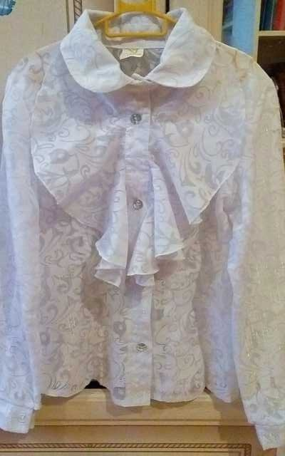 Продам Нарядная блузка