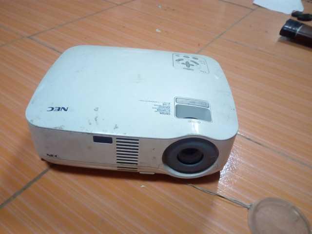 Продам Продаю проектор NEC VT48