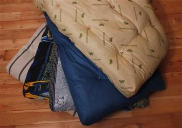 Продам Матраc подушка одеяло с бесплатной доста