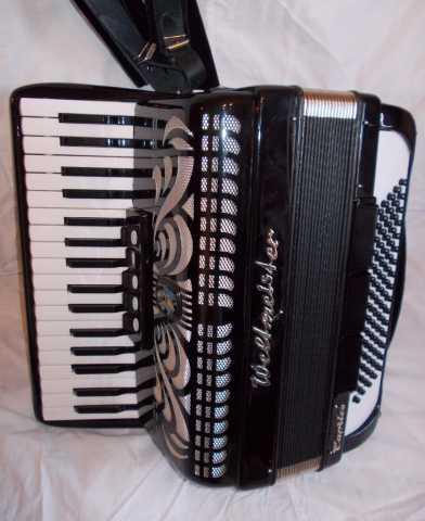 Продам Два немецких аккордеона Вельтмейстеры.