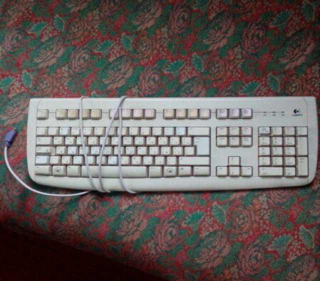 Продам: клавиатуру Logitech