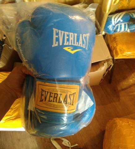 Продам: Боксерские перчатки everlast