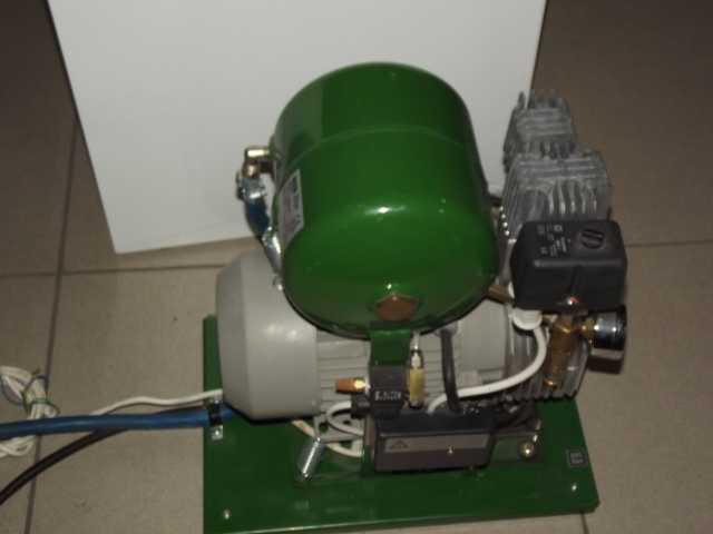 Продам Стоматологический компрессор EKOM DK50 S