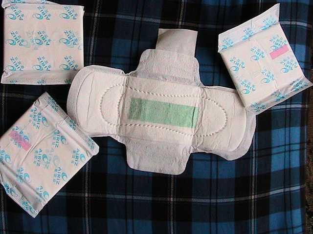 Продам прокладки женские гигиенические из китая
