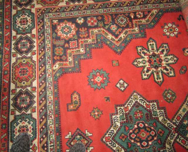 Продам Большой шерстяной ковёр.Размер 3,5Х2,5 м