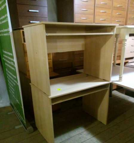 Продам столы, кресла, тумбы