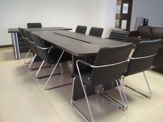 Продам: Комплект стол для переговоров