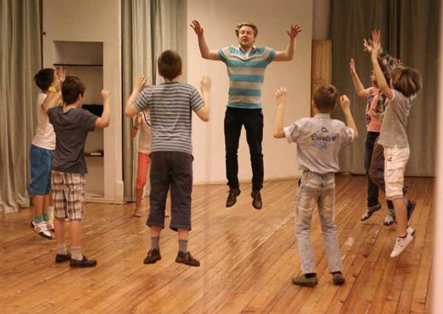Вакансия: Педагог по актёрскому мастерству