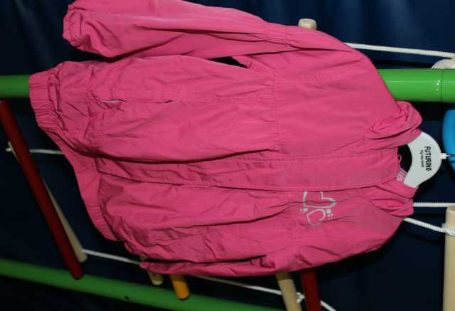 Продам Курточки для девочки