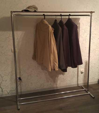 Продам Вешало (напольная вешалка для одежды)