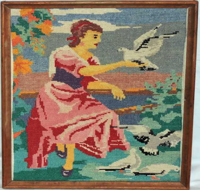 Продам Панно Девушка с голубями Вышивка крестом