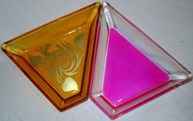 Продам Салатницы цветное толстое стекло. 2шт.