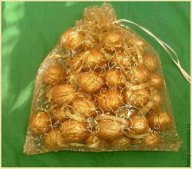 Продам Сувениры из грецких орешков