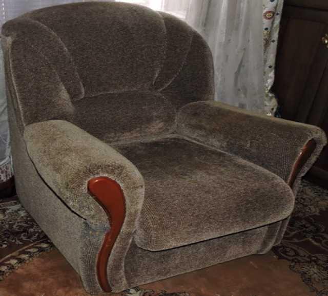 Продам Кресло мягкое большое.