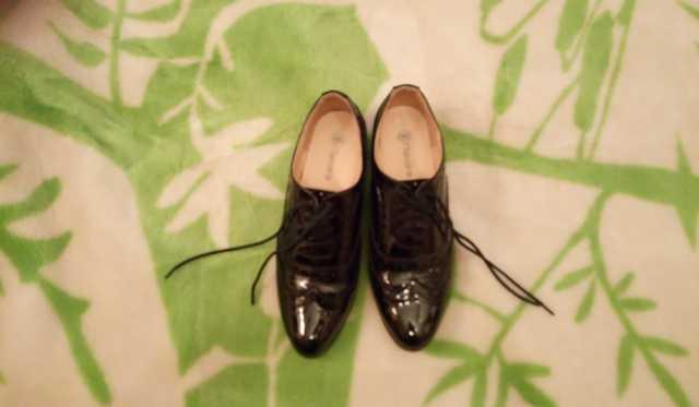 Продам Туфли лаковые taccardi