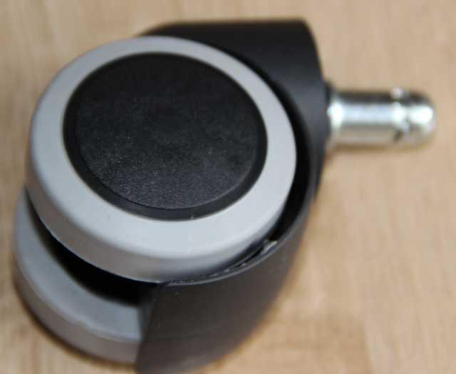 Продам: Колесо прорезиненное для офисного кресла