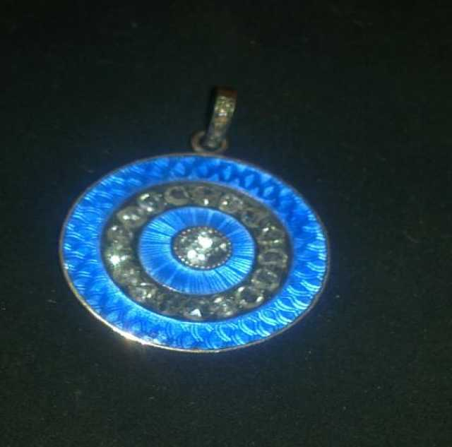 Продам Медальон золото, бриллианты старой огран