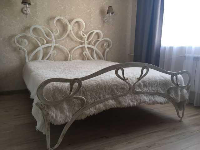 Продам: Кованная кровать