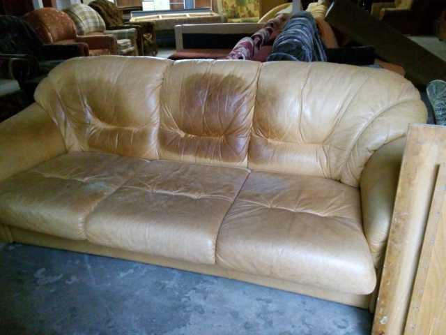 Продам: диван кожзам