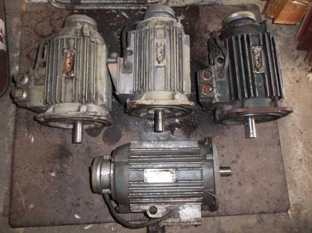 Продам Двигатель подач привода Размер 2м-5-21